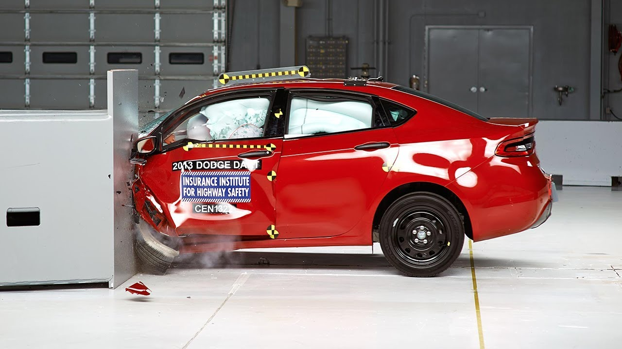 Dodge Dart Safety Ratings >> 2013 Dodge Dart Driver Side Small Overlap Iihs Crash Test Youtube