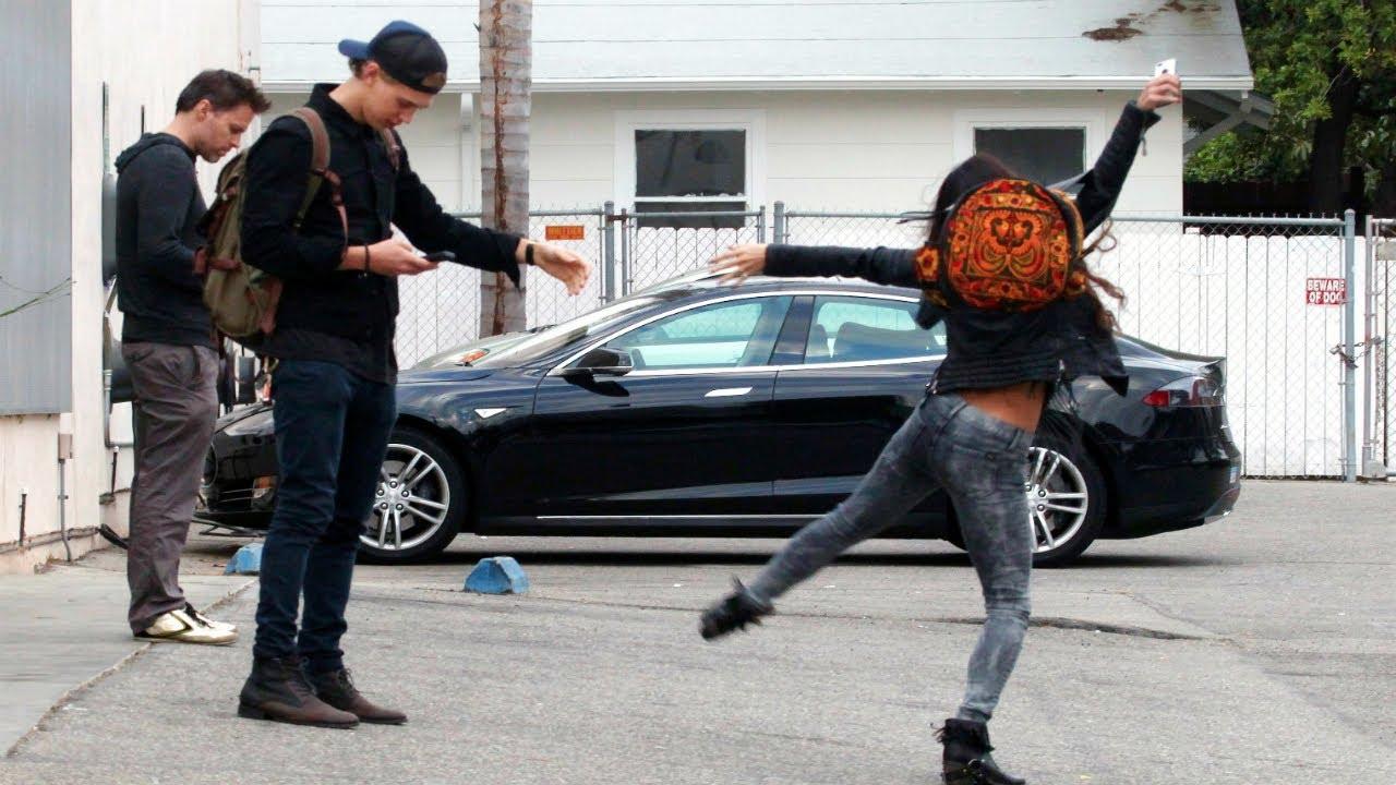 Austin Butler And Vanessa Hudgens Dancing