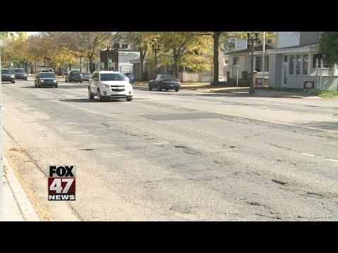 Lansing Chamber of Commerce praises repairs on Michigan Avenue