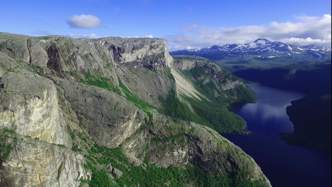 The cliffs above Børvatnet lake