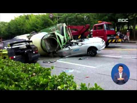 [15/08/02 정오뉴스] 레미콘 전도, 차량 5대 들이받아…1명 사망·10명 부상