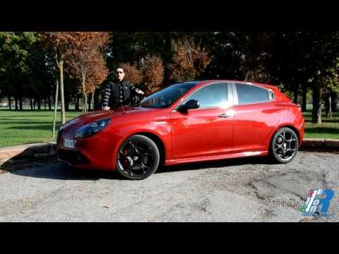 Prova interni Alfa Romeo Giulietta Veloce - test drive