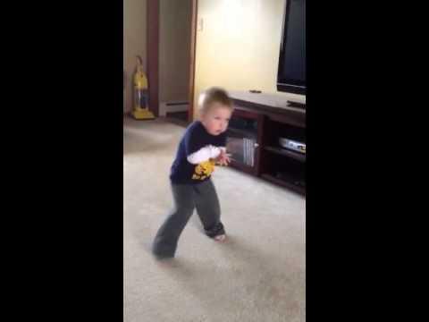 Breylan dancing 21 months moves like jäger