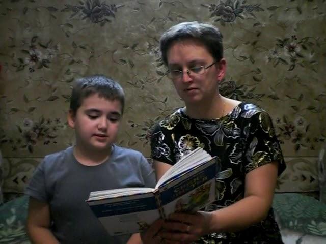 Изображение предпросмотра прочтения – КириллСергеев читает произведение «Время» В.А.Осеевой