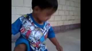 Laugh Trip-Tinaob nya kase yung insect..hahaha