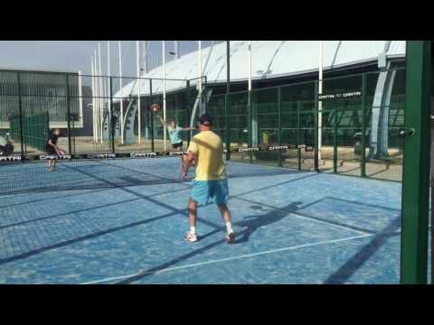 Padel: serve and volley