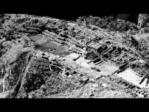 """""""Visiones de Macchu Pichu - 100 años de fotografía en blanco y negro"""""""