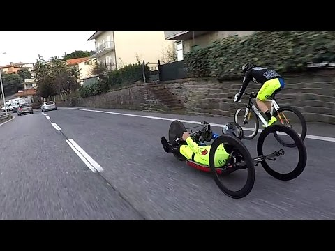 HandBike vs FixedGear : the Dangerous Challenge - Hill Bombing - Dafne Fixed