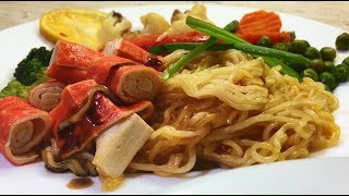 Super recipe with quick noodles, with crab and chili sauce!