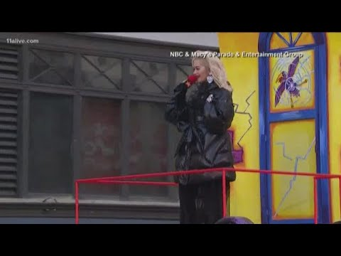 Why performers lip sync at Macy's Thanksgiving Day Parade Mp3