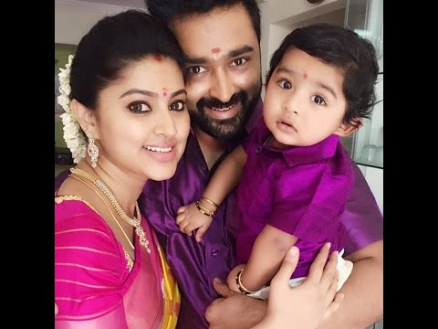 Actress - Sneha Family Video
