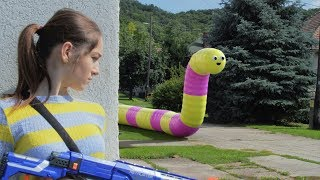 Nerf War  live action: GIRL VS REAL LIFE SLITHER.IO