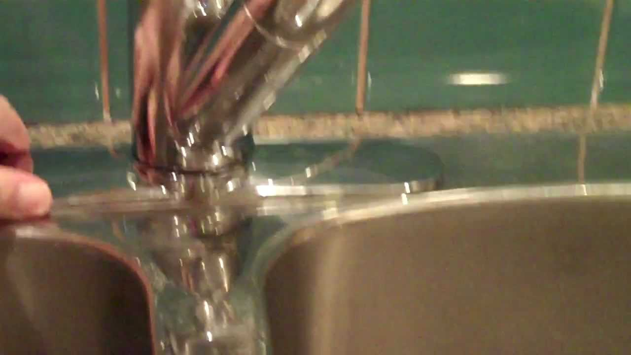 Moen Single Handle Kitchen Faucet Kitchens For Rent How To Tighten A Salora ...