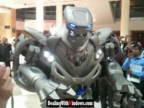 Real robot in Dubai Freaking People (Titan) - Caught On Camera