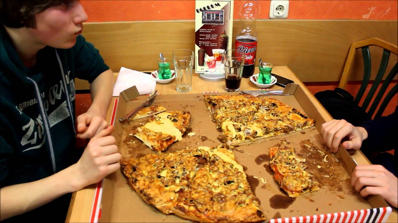 Pizza Challenge Familienpizza Youtube