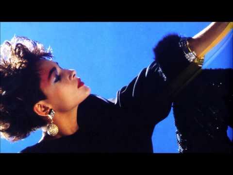 Jordan F - Falling Like Diamonds (feat. Rromarin)