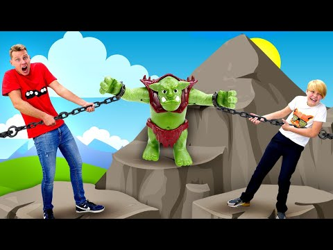 Новые игры битвы – Тролль на осаде замка Плеймобиль! – Конструктор в видео игры