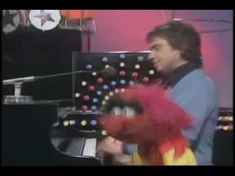 The Muppet Show - Mama Don't Allow