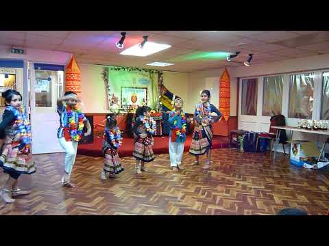 London Nuakhia Juhar 2017 - Kids Dance - Aaenkh Duhi Ta Chaka Chaka - Sambalpuri Bhajan