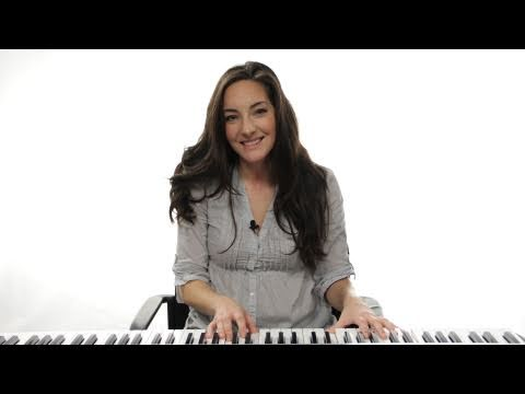 How To Play A C Chord 1st Inversion On Piano Youtube