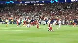Liverpool Players Celebrating The Winning Of Champions League Final Vs Tottenham 2-0