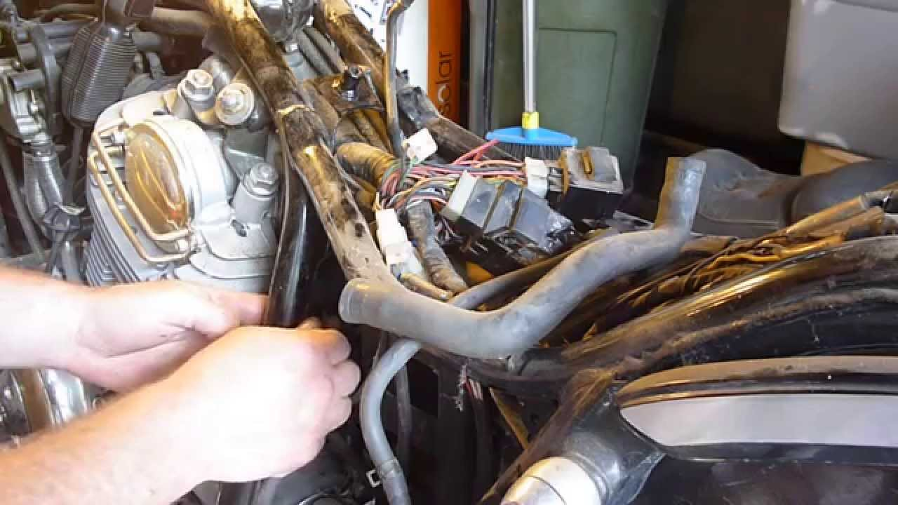 hight resolution of  6 89 yamaha virago fuel line removal youtube