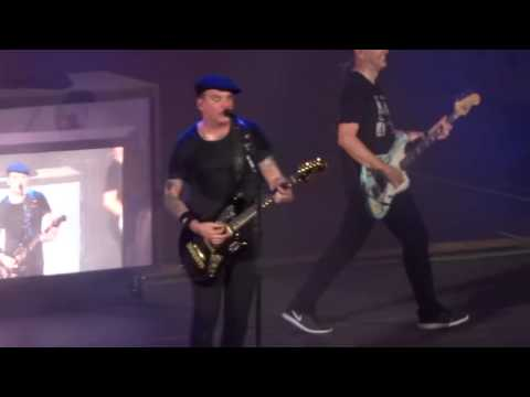 "blink-182---""she's-out-of-her-mind""-(live-in-irvine-9-29-16)"