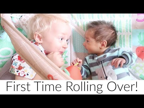 Baby's First Time Rolling Over! Vlogmas Day 9