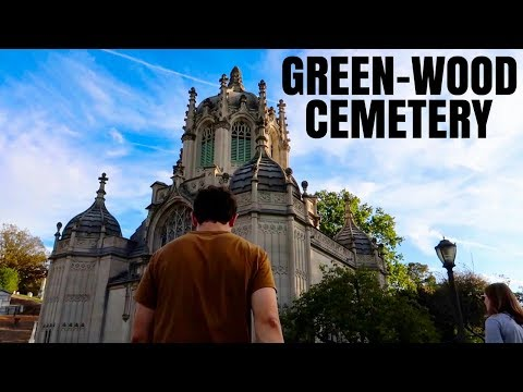 VISITING GREEN-WOOD CEMETERY IN FALL | BROOKLYN, NY | TRAVEL VIDEO