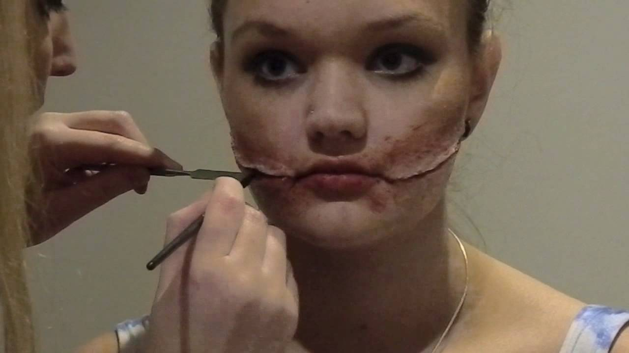 The Chelsea Smile SPFX Makeup - YouTube