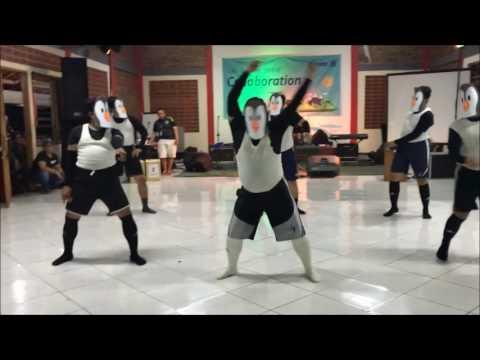 Pinguin Dance by Buncit Genks