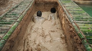 Build Footing Bamboo House Fish Pond, Beautiful and Bad Swimming Pool