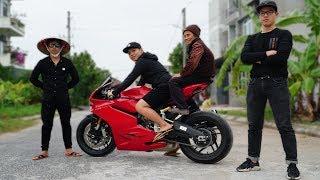 NTN - Khi Bà Nội 70 Tuổi Đi Siêu Xe Ducati 959 Panigale (70 Years old woman ride a superbike)