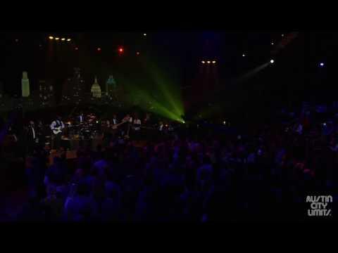 CeCe Winans - Hey Devil! Live Performance on ACL Stage!