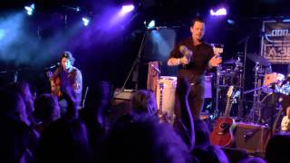 Braindogs * Telephone Call From Istanbul (Ian Siegal/Tom Waits cover) / A38 Budapest