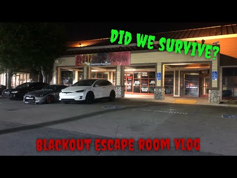 Did we survive? Checking out Smurfinwrx's Escape room Vlog