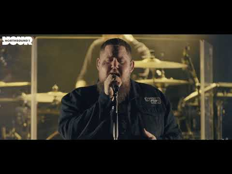Rag'n'Bone Man performs Grace in a stunning intimate live performance
