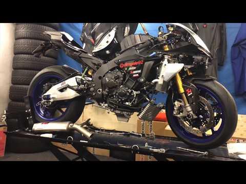 download Yamaha YZF R1M 2018 Akrapovic Evolution GP Race
