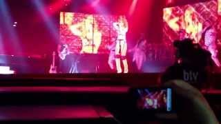 """Diamonds World Tour Zurich RIHANNA """" JUMP """""""
