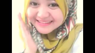 Download Video Makan Pisang Yumii *,* MP3 3GP MP4