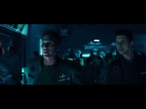 """Инопланетяни уничтожают орбитальную оборону Земли. """" День независимости: Возрождение"""" ( 2016 )"""