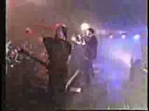 Drowning Pool - Bodies (LIVE)