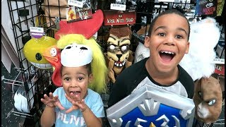 FamousTubeKIDS Go Halloween Costume Shopping
