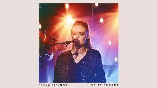 Смотреть клип Freya Ridings - Unconditional