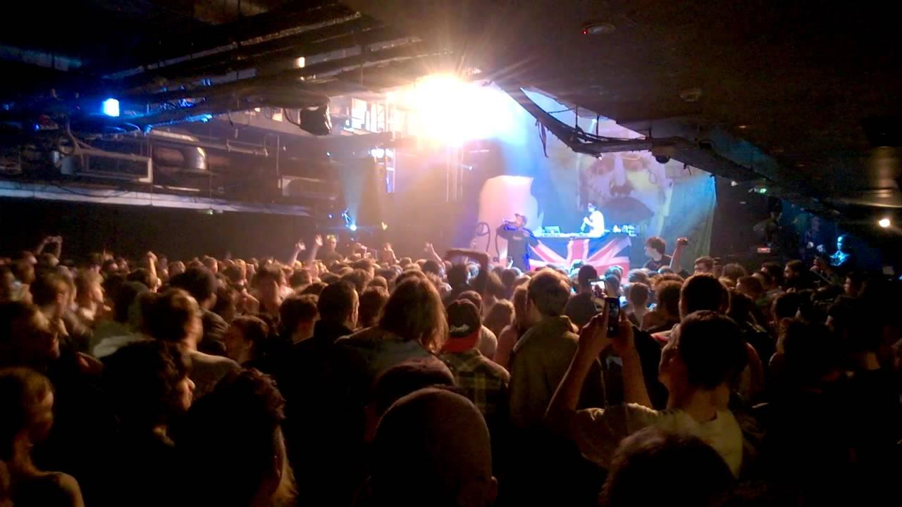 Earl Sweatshirt - Drop live in O2 Academy, Islington, London - YouTube