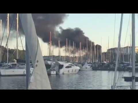 Zapaliila se brodica kod marine Veruda