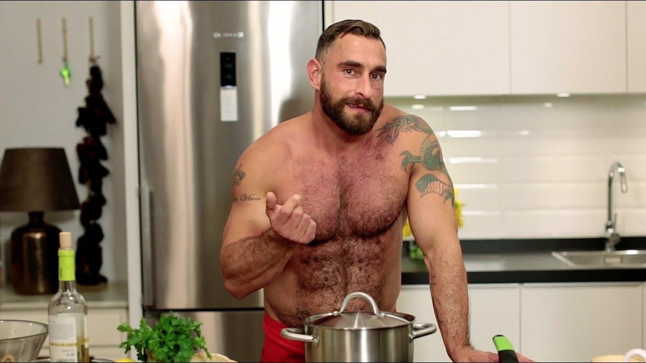 Видео голый повар сами