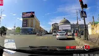 В центре Владивосток машина ГИБДД нарушила правила