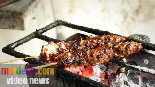 Empuknya daging Sate Gebug Kayutangan yang legendaris Mp3