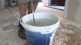 видео Приготовление клея для обоев самостоятельно